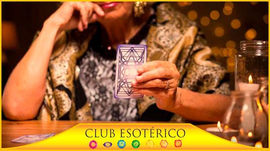 contactar con tarotistas - club esoterico